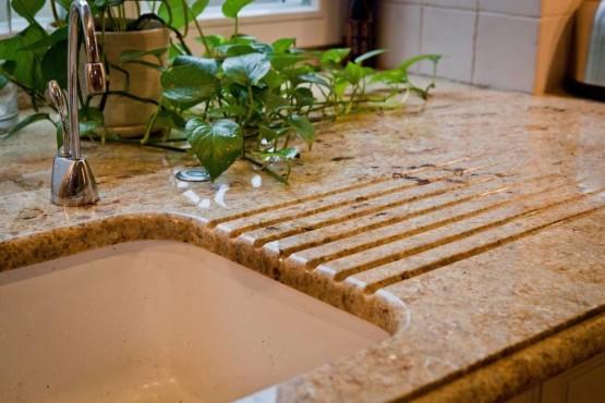 blat kamienny w kuchni