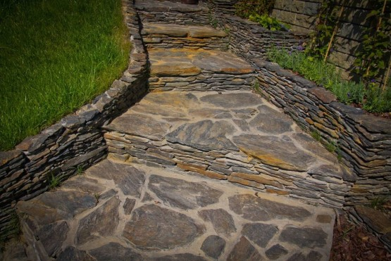 schody z kamienia
